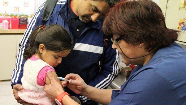 Gripe: recomiendan vacunar a chicos de entre 6 y 24 meses