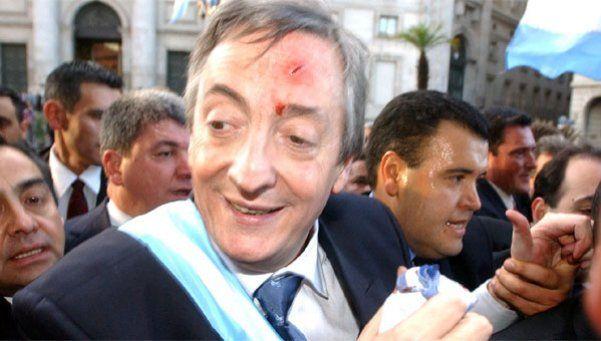 Archivo | A 13 años de la asunción de Kirchner y de su golpe con una cámara