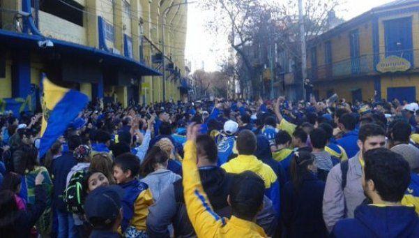 Hinchas de Boca reclamaron en contra de un nuevo estadio