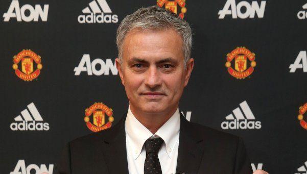 El Manchester United confirmó la llegada de Mourinho
