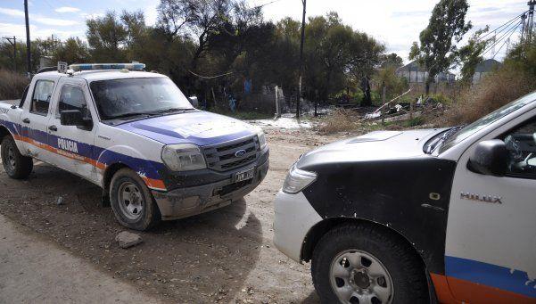 Vecinos quemaron la casa del confeso asesino de Micaela