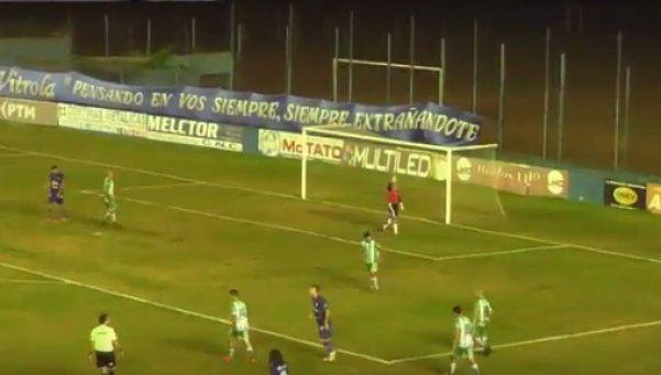 Bendito ascenso: siete expulsados y un gol que no se vio