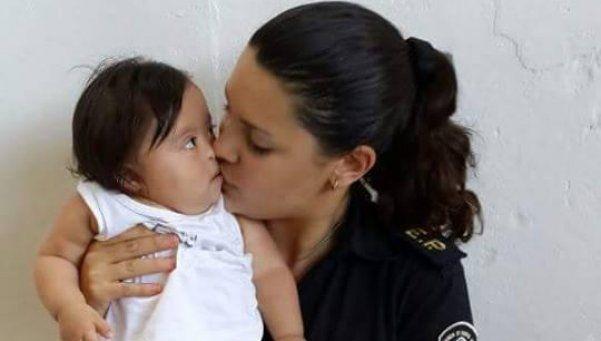 Oficial pidió que no la trasladen para no alejarse de su hija y la sancionaron