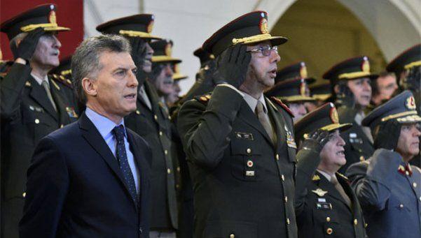 Macri derogó decretos de Alfonsín para darle autonomía a las FFAA