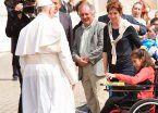 Emotivo saludo del Papa a una escritora argentina de 13 años