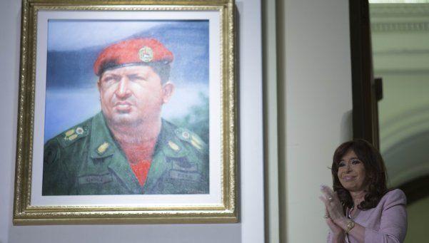 Trasladan cuadros de 40 próceres latinoamericanos a la ex ESMA
