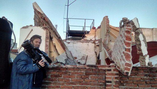 Explota casa en Lanús y rescatan a hombre bajo los escombros