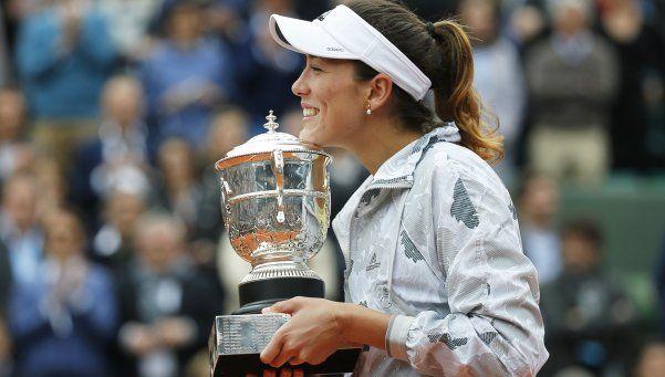 Muguruza destronó a Serena en Roland Garros