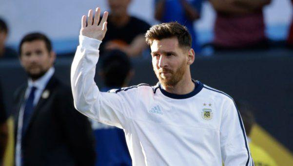 Así vivió Messi el debut de Argentina desde el banco
