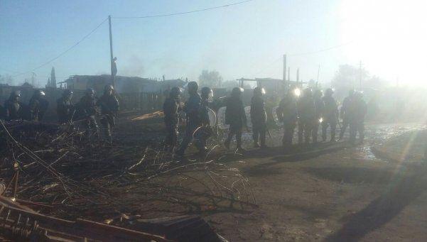 La Policía bonaerense reprimió y desalojó un barrio en Almirante Brown