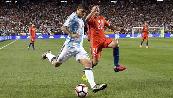 La reinvención de Banega, clave en el esquema argentino