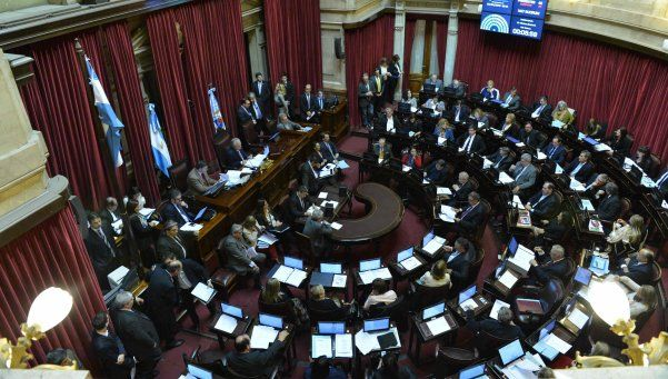 Senado: la oposición votó suspender aumentos de tarifas