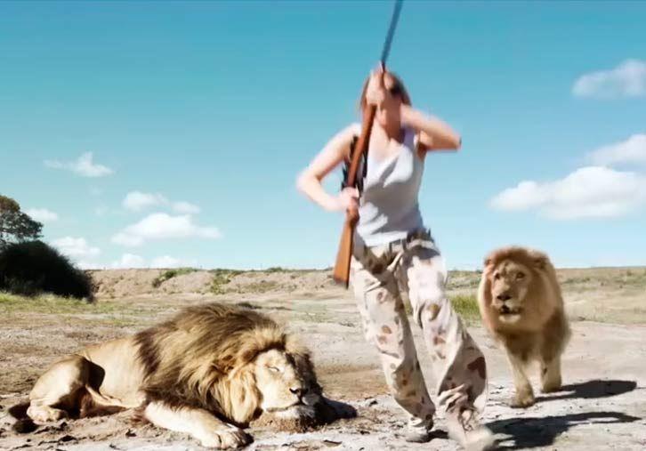 Video | ¿Mentira o verdad? Matan un león y otro cobra venganza