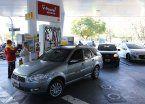 Aranguren sostuvo que la nafta subirá varias veces en 2017