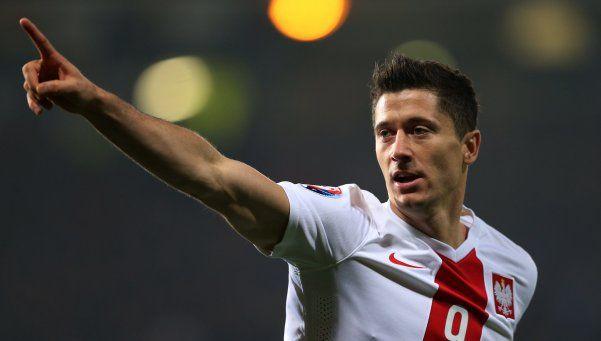 Polonia fue más que Irlanda del Norte en el estreno para ambos