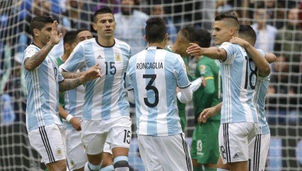 A Argentina le sobró para vencer a Bolivia, y Messi se guardó el récord