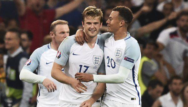 Inglaterra venció sobre la hora a Gales y se afirma en la Eurocopa