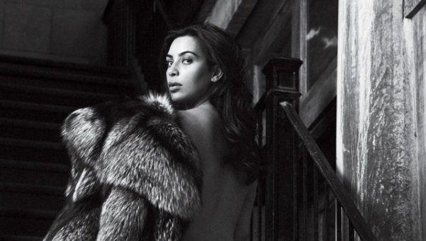 Kim Kardashian bajó 32 kilos y los festejó desnudándose