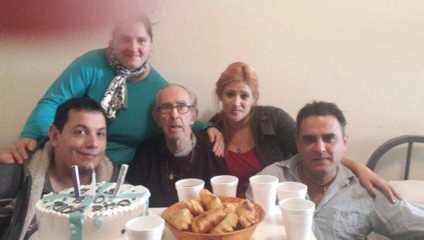 Barreda festejó los 80 en libertad y con sus vecinos