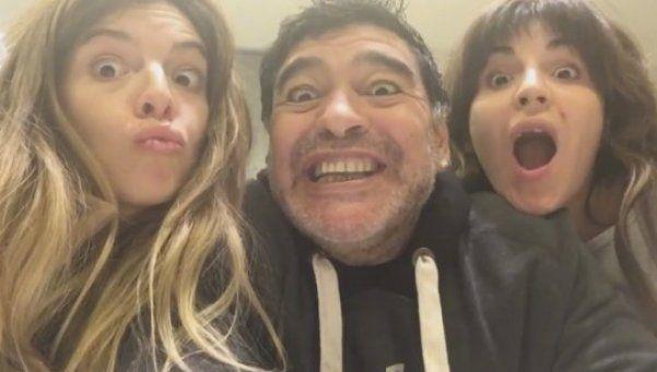 El divertido video del reencuentro de Diego con Dalma y Gianinna