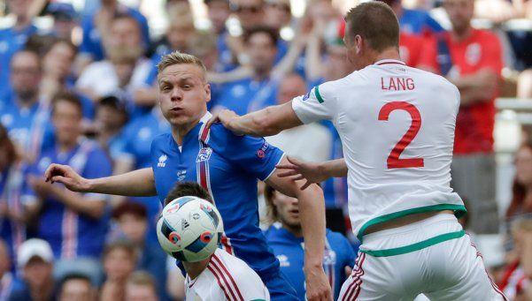 Islandia y Hungría empataron y se juegan todo en la última fecha