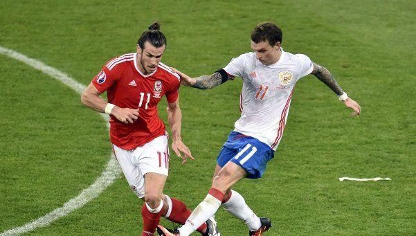 Gales le ganó con holgura a Rusia y se quedó con su grupo