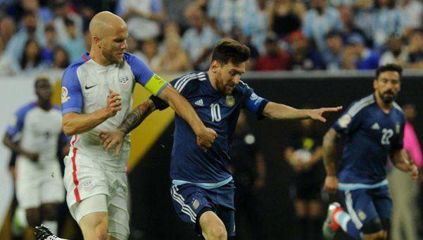 Messi, cada vez más 10: dos asistencias en un partido genial