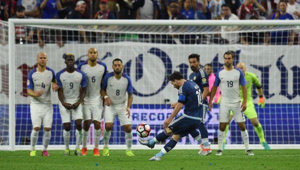 Video | Al ángulo: los 5 goles de tiro libre de Messi en la Selección