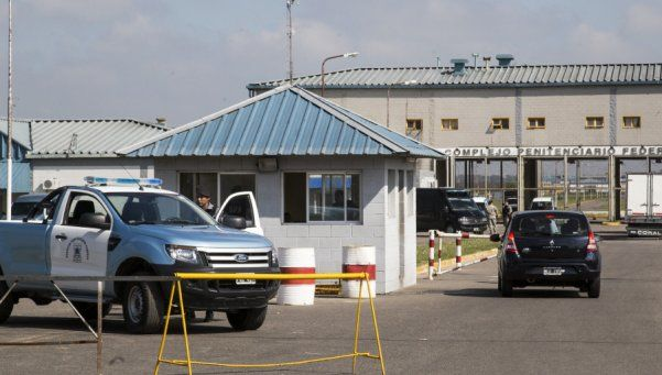 Pidien enjuiciar a enfermero acusado de abusar de una compañera en cárcel de Ezeiza