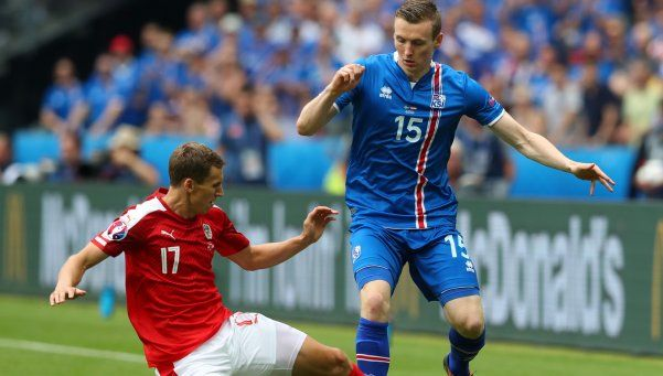 Islandia avanzó a octavos con un agónico triunfo