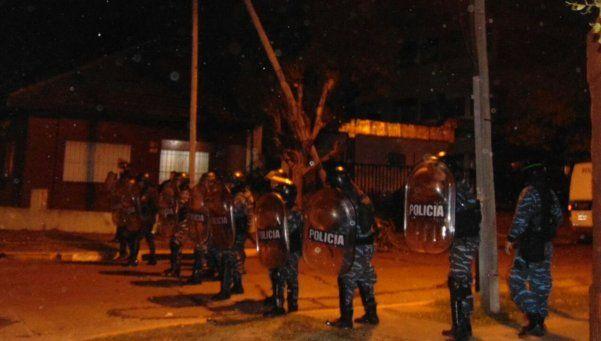 Denuncian represión en desalojo a trabajadores