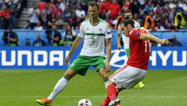 Gales le ganó el duelo brexit a Irlanda del Norte y pasó a cuartos