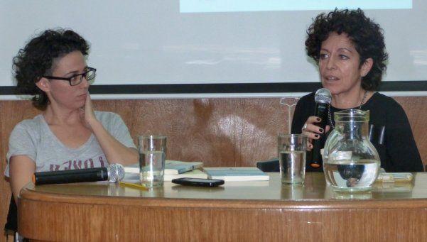 Presentan libro con relato de hija de desaparecidos