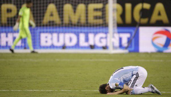 El drama de no poder: Argentina perdió otra final ante Chile en los penales