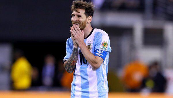 Convocan a un banderazo en el Obelisco para apoyar a Messi