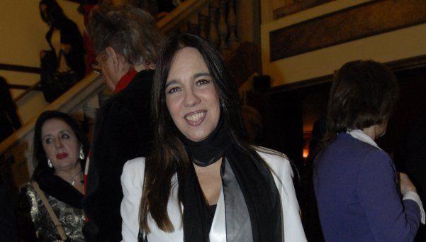 Ingrid Pelicori y el placer de difundir poesía en el escenario