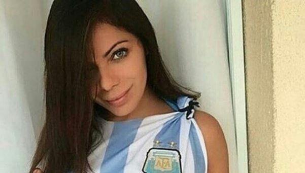 La Miss Bum Bum fan de Barça también le dio su apoyo a Messi