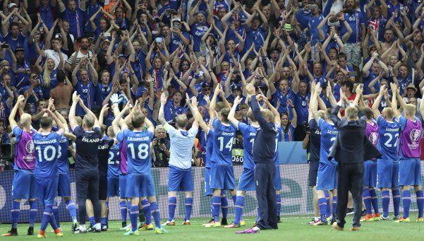 Video | La emocionante celebración de Islandia y sus hinchas