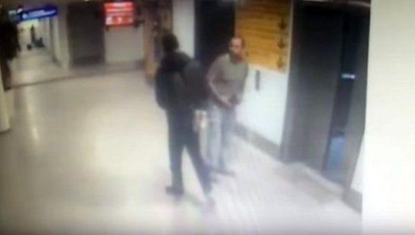 Video | Turquía: terrorista fusiló a policía antes de inmolarse