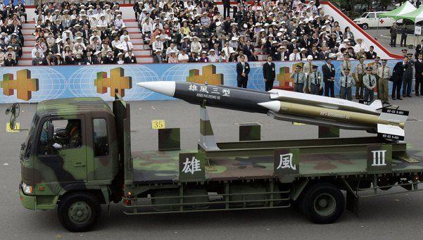 Misil lanzado por error en Taiwán mató a un pescador chino