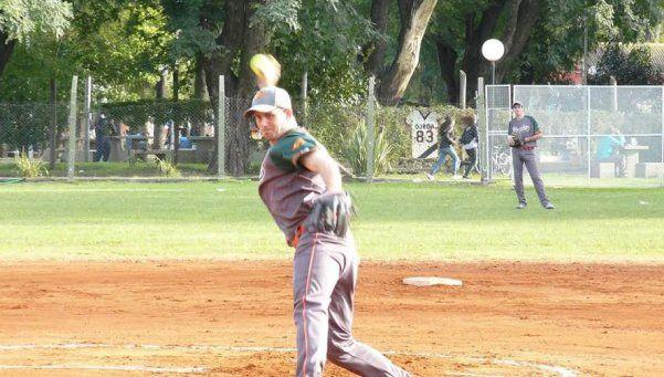 Matías Orfano, atrapado por el softbol matancero