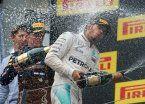 Hamilton le ganó el duelo a Rosberg en un final vibrante y accidentado