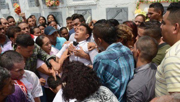 El desmayo de Teo Gutiérrez en el funeral de su abuela