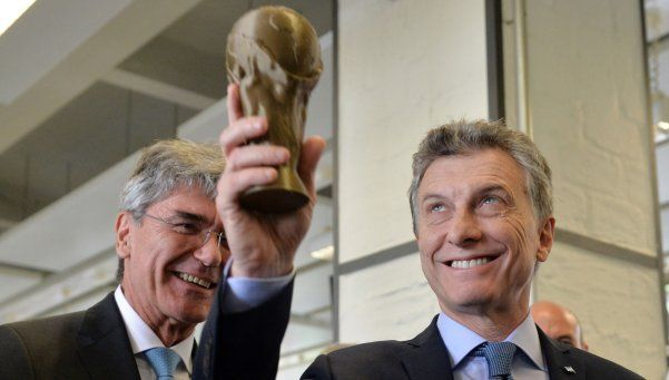 Macri levantó una Copa del Mundo y opinó de la salida de Martino