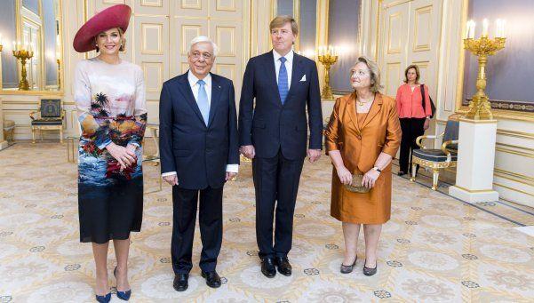 La reina Máxima de Holanda sufrió un golpe en la cabeza