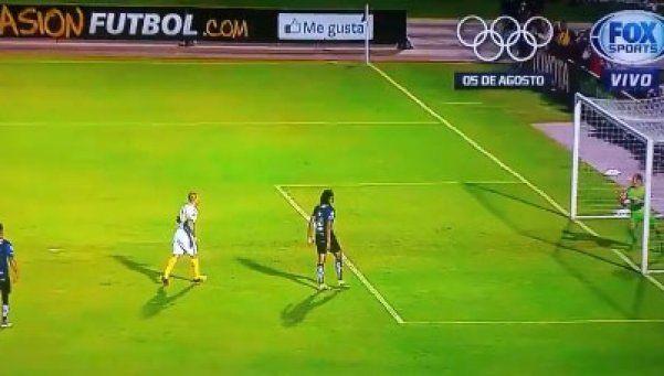 La jugada de la polémica: ¿fue gol de Boca?
