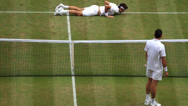 Federer perdió ante Raonic, que jugará la final con Murray