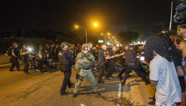 Más de 200 detenidos en protestas contra el racismo
