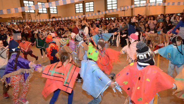 En Troncos adelantaron el festejo del Bicentenario