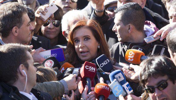 Piden la indagatoria de Cristina por otorgar obras públicas a Báez